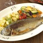 Forel met groentjes en patatjes uit de oven