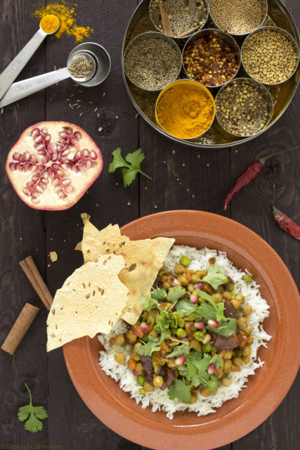 Indiase vegetarische kikkererwtencurry met tamarindechutney