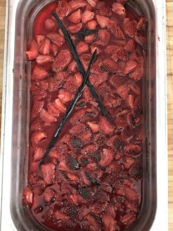 Aardbeien-yoghurtijs - geroosterd