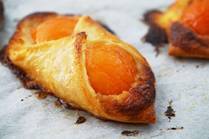 Abrikozenkoeken met amandelvulling - gebakken