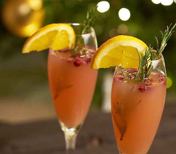 Cranberry-ginger ale mocktail