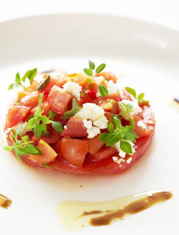 Gebakken-watermeloen-met-tomaat-fetasalade